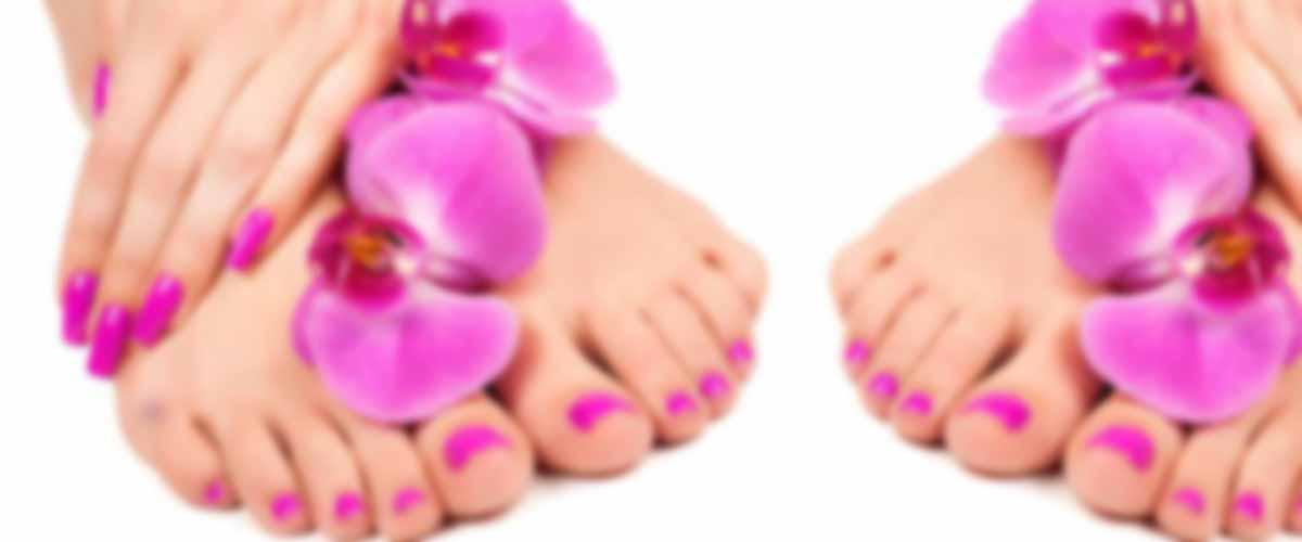 MANI e PIEDI: Ricopertura, Ricostruzione, Ritocco, Trattamenti mani e piedi.